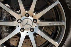 Plan rapproché de roue de Mercedes AMG Images stock