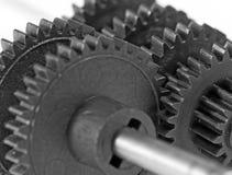 Plan rapproché de roue dentée travail d'équipe d'isolement par illustration noire du concept 3d Photographie stock
