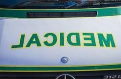 Plan rapproché de signe de glace de service d'ambulance Photos stock