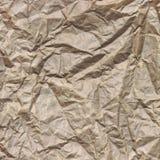 Plan rapproché de texture carrée de papier de empaquetage froissée par Brown approximative Image stock
