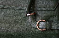Plan rapproché de texture en cuir verte comme fond Images stock