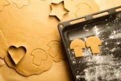 Plan rapproché des biscuits faits maison de pain d'épice Image libre de droits