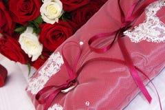 Plan rapproché des boucles de mariage Photos stock