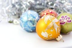 Plan rapproché des boules bleues de Noël Photo stock