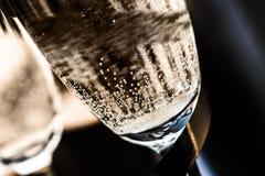Plan rapproché des bulles dans Champagne Glass Photos libres de droits