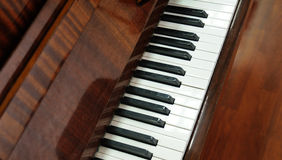 Plan rapproché des clés de piano à queue Photos libres de droits