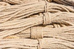 Plan rapproché des cordes Ropes le fond Image stock