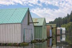 Plan rapproché des garages de bateau photographie stock libre de droits