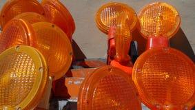Plan rapproché des lentilles sur des barricades de circulation Photo libre de droits