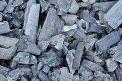Plan rapproché des morceaux de charbon Images stock