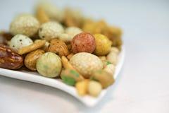 Plan rapproché des noix mélangées photos stock