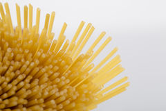 Plan rapproché des nouilles crues de spaghetti Image libre de droits