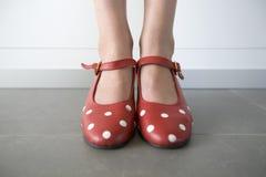 Plan rapproché des pieds avec des chaussures de flamenco Photographie stock