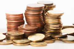 Plan rapproché des piles des pièces de monnaie Photographie stock libre de droits