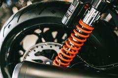 Plan rapproché des ressorts, vélo de moto d'amortisseurs grand Image libre de droits