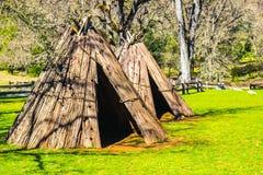 Plan rapproché des tepees indiens et du logement Image libre de droits