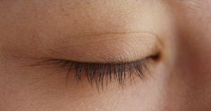 Plan rapproché des yeux fermés de la femme chinoise photo stock