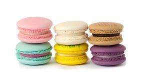 plan rapproché doux de variété de macarons de délicatesse Macarons sur le CCB blanc photo stock