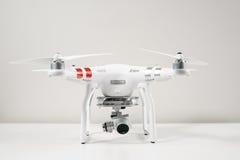 Plan rapproché du fantôme 3 de Dji de quadrocopter de bourdon avancé photographie stock