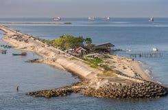 Plan rapproché du Long Island de Gusung Laelae Caddi, Makassar, Sulawesi du sud, Indonésie photos stock