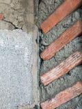 Plan rapproché du mur de briques non fini image stock