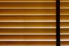 Plan rapproché du rideau aveugle en bambou dans la Chambre, protection de lumière du soleil, H Photo stock