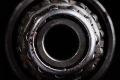 Plan rapproché du vieux roulement à rouleaux photographie stock libre de droits