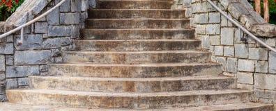 Plan rapproché en pierre d'escaliers Image libre de droits