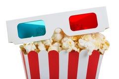 Plan rapproché en verre 3d dans une boîte de maïs éclaté d'isolement sur le blanc Photo stock