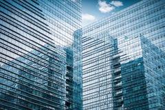 Plan rapproché en verre de gratte-ciel Photos libres de droits