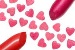 Plan rapproché et coeurs de rouge à lèvres photo libre de droits