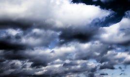 Plan rapproché foncé de nuages de tempête Photo libre de droits