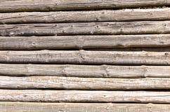 Plan rapproché horizontal de détail de texture de hutte de mur de fond naturel en bois de couleur Photographie stock