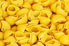 Plan rapproché jaune de pâtes Images libres de droits