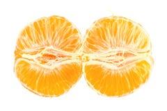 Plan rapproché mûr de mandarines d'isolement sur le blanc Photos libres de droits
