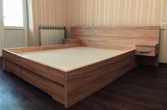 Plan rapproché moderne de lit Photos stock