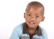 Plan rapproché noir de garçon de trois ans image libre de droits