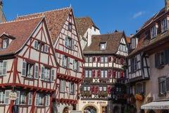 Plan rapproché pour boiser les bâtiments encadrés à Colmar, France Photo libre de droits