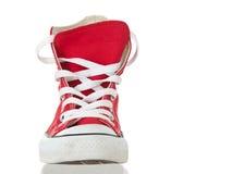 Plan rapproché rouge de chaussure de cru Photographie stock
