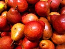 Plan rapproché rouge de poires Photo stock