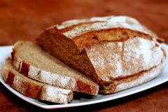 Plan rapproché sur le pain d'agriculteur Photographie stock libre de droits