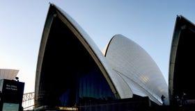 Plan rapproché tiré de Sydney Opera House images stock