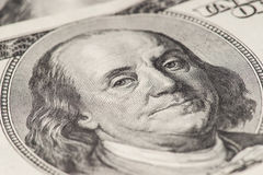 Plan rapproché de Benjamin Franklin, cents dollars de note Images stock
