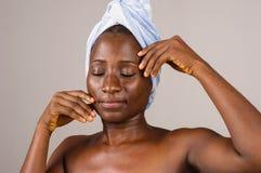 Plan rapproch? de fille africaine photographie stock