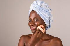 Plan rapproch? de fille africaine, souriant photos libres de droits