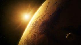Plan rapproché de Mars de planète avec le lever de soleil dans l'espace Image libre de droits