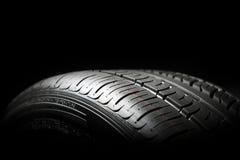 Plan rapproché de pneu de voiture Photo libre de droits