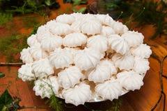 Plan rapproch? des biscuits de meringue image stock