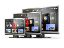 Plan skärm lcd för smart TV eller plasma med rengöringsdukmanöverenheten Digital br Royaltyfria Foton