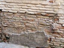 Plan tegelstenvägg, Toledo royaltyfri fotografi